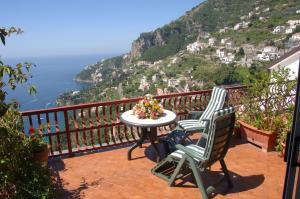 Happy House Amalfi - AbcAlberghi.com