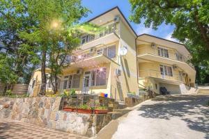 Отель Комфорт, Новомихайловский