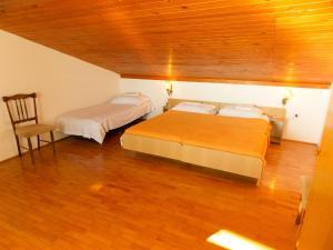 Apartments Tona, Apartmanok  Novalja - big - 97