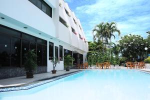 Bangsaen Villa Hotel