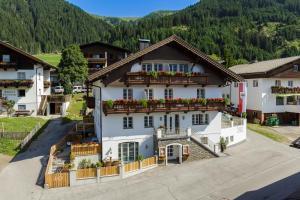 Apartments Gannerhof - Hotel - Obertilliach