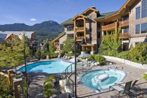 First Tracks Lodge - Hotel - Whistler Blackcomb
