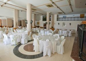 Episkopiana Hotel & Sport Resort, Hotely  Episkopi Lemesou - big - 11