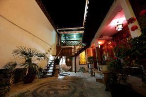 Xinyueju Inn, Guest houses  Lijiang - big - 1