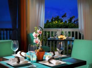 Ocean Key Resort & Spa (27 of 30)