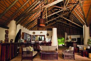 Lianshulu Lodge, Chaty v prírode  Luzibalule - big - 7