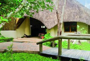 Lianshulu Lodge, Chaty v prírode  Luzibalule - big - 11