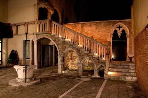 Palazzo Contarini Della Porta Di Ferro - Venecia