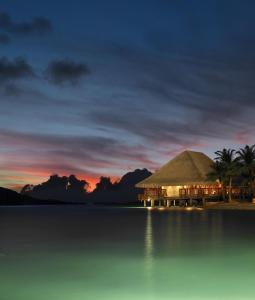 Four Seasons Resort Bora Bora (12 of 59)
