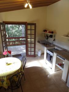 Pousada Canto do Lago, Гостевые дома  Пиракая - big - 64
