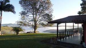 Pousada Canto do Lago, Гостевые дома  Пиракая - big - 65