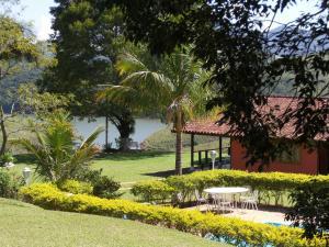 Pousada Canto do Lago, Гостевые дома  Пиракая - big - 96
