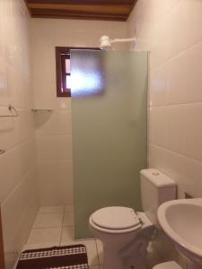 Pousada Canto do Lago, Гостевые дома  Пиракая - big - 103