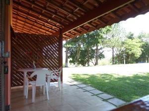 Pousada Canto do Lago, Гостевые дома  Пиракая - big - 107