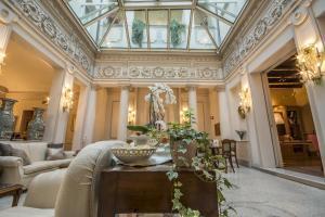 Hotel Corona d'Oro (2 of 140)