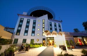 Castagna Palace Hotel & Restaurant