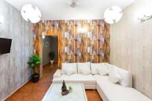 2 Bedroom Apartment, Hauz Khas Village
