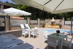 Raffaello Residence, Aparthotely  Sassoferrato - big - 8