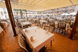 Bahía Tropical, Hotels  Almuí±écar - big - 38