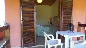 Pousada Canto do Lago, Гостевые дома  Пиракая - big - 9
