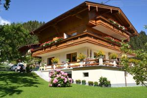 Haus Binder - Apartment - Ried im Zillertal