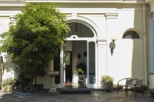 B&B Villa Ocsia, Bed and breakfasts  San Giorgio a Cremano - big - 1