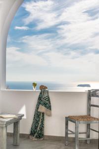 Aspronisi Luxury Villa with Caldera View, Villen - Megalochori