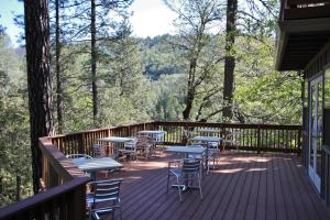 The Inn at Shasta Lake - Accommodation - Lakehead