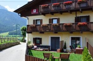 Appartements Rienzner - Apartment - Dobbiaco