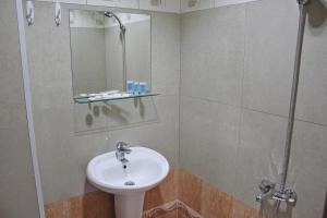 Hotel London Palace Tbilisi, Отели  Тбилиси - big - 8