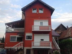 Apartment Red House, Apartments  Visoko - big - 28