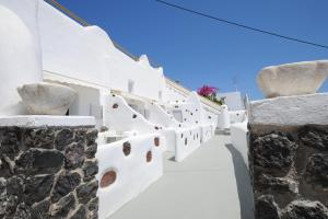 Manias Fira Residences