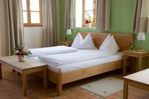 ad vineas Gästehaus Nikolaihof-Hotel Garni, Отели  Маутерн - big - 6