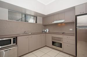 Southern Cross Atrium Apartments, Апарт-отели  Кэрнс - big - 43