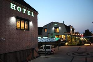 Hotel Mats