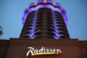 Radisson Hotel Cincinnati Riverfront - Fort Wright