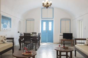 Simantiri Private Villa, Villas  Megalokhori - big - 5