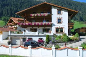 Landhaus Notburga - Apartment - Gries im Sellrain