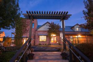 Hanford House Inn - Accommodation - Sutter Creek