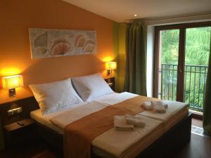 Albergues - Casino & Hotel Admiral Strazny