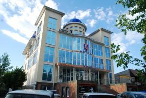 Astra Hotel - Novoblagodarnoye