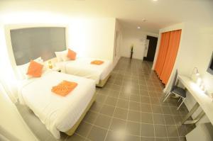The Original Orange Hotel, Отели  Накхонситхаммарат - big - 41