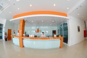 The Original Orange Hotel, Отели  Накхонситхаммарат - big - 38