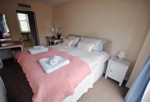 Room On The Brae - Liberton
