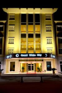 Grand White City Hotel, Отели  Берат - big - 50