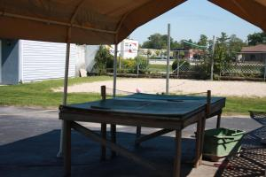 Kingsbridge Inn / Bon-Air Motel.  Photo 13