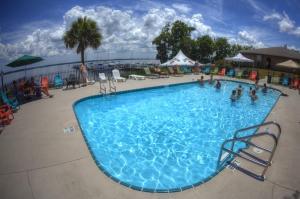 Crystal Cove Riverfront Resort..