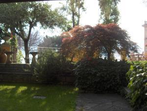 Villa Torretta, Гостевые дома  Варенна - big - 46