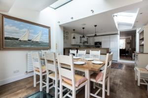 onefinestay - South Kensington private homes III, Апартаменты  Лондон - big - 76