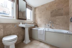 onefinestay - South Kensington private homes III, Апартаменты  Лондон - big - 79